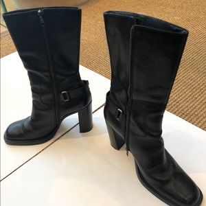 Shoes - MIU MIU Beautiful leather boots made in Italy, .